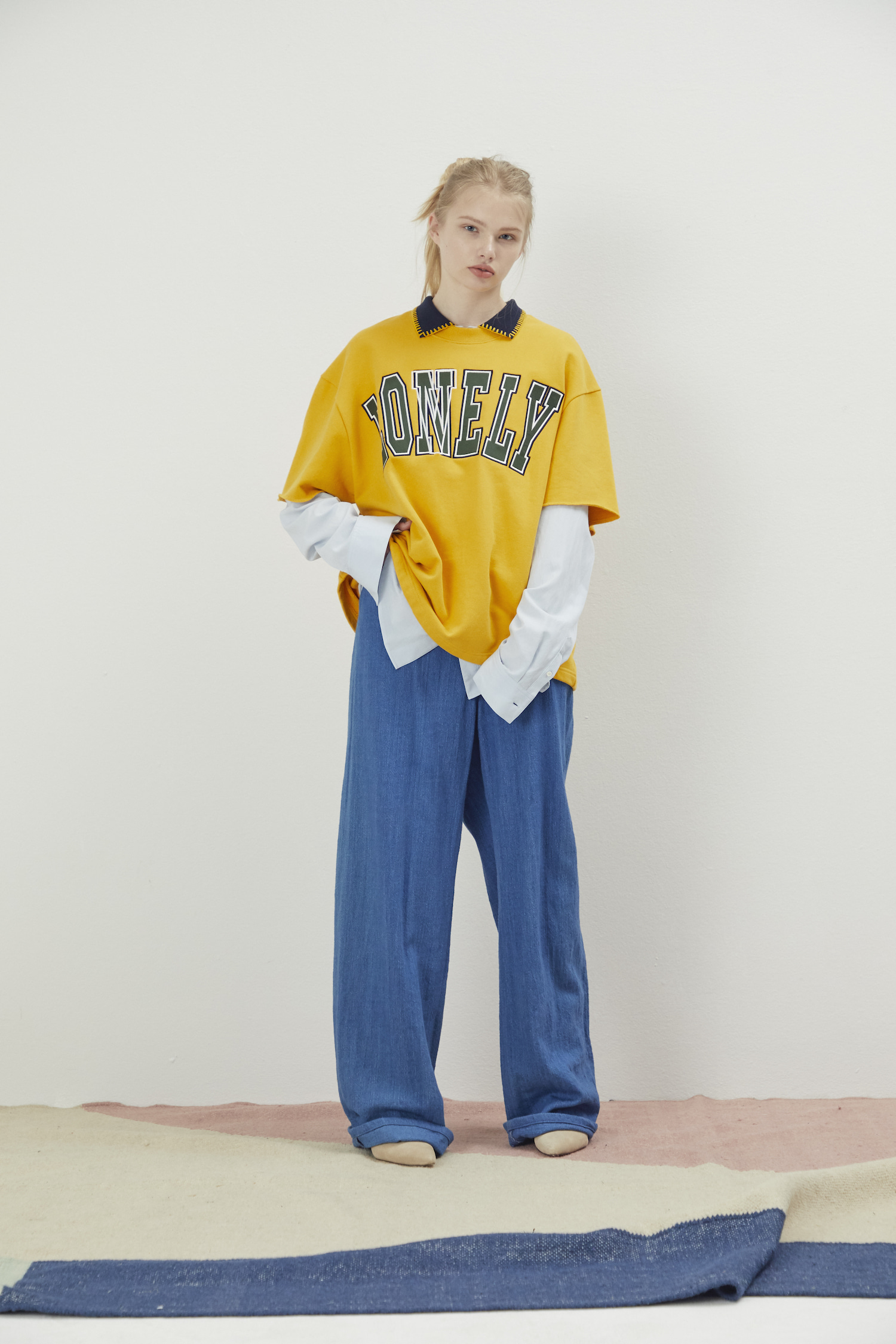 LONELY/LOVELY CROPPED SWEATSHIRT YELLOW